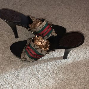 Woman's gucci Heels